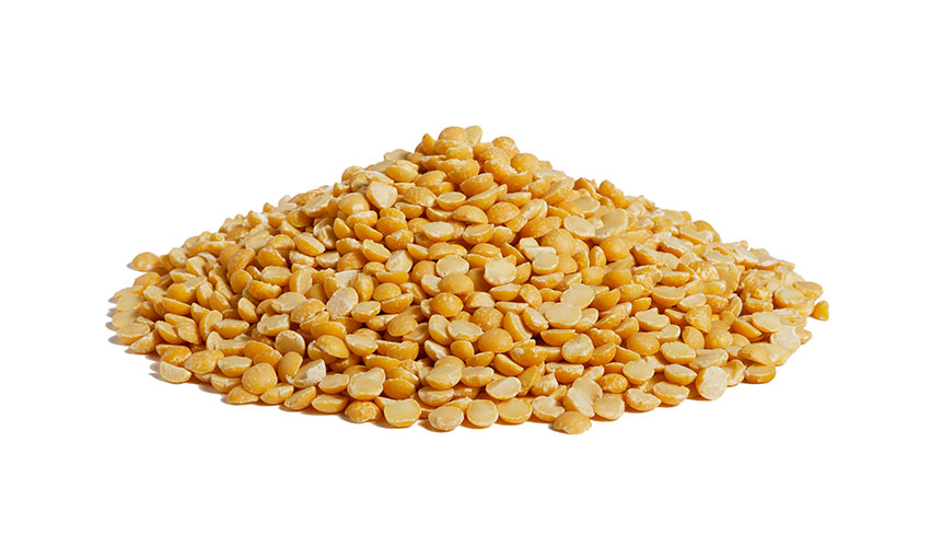 YELLOW PEAS - Yellow peas (pisum sativum) have several benefic effects and can have a leading role in the cooking. If we eat them every day in fact, they can help above all our immune system. They help the digestion and, together with rice and other cereals, can be used for preparing creative recipes.